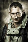 Portret van droevige soldier knappe man — Stockfoto
