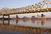 Yellow bridge in Louisville — Stok fotoğraf