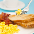 American breakfast, bacon and scrambled egg — Stock Photo