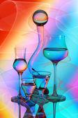 4 つの使い捨てからす、花瓶、ガラス玉 — ストック写真