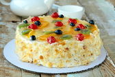 Fruit cake with berries and other fruits — Stock Photo