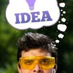 jonge persoon kijken naar idee type teken — Stockfoto