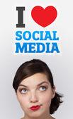 Jovem olhando social tipo de ícones e sinais — Foto Stock
