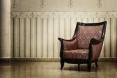 Vintage leeren stuhl im luxus-interieur — Stockfoto