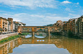Medieval Bridge over the Arno River, in Florence — Stock Photo