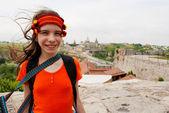 Ar livre satying de ucranianos girl teen — Fotografia Stock