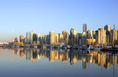 Vancouver downtown cityscape with boats — Stock Photo
