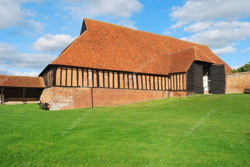 Medievil Barn restored — Stock Photo #6944311
