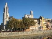 Panorama staré španělské město gerona. — Stock fotografie