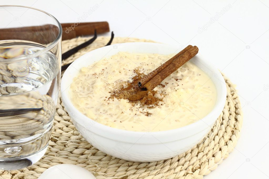 Creamy rice pudding on a bowl — Stock Photo #6822301