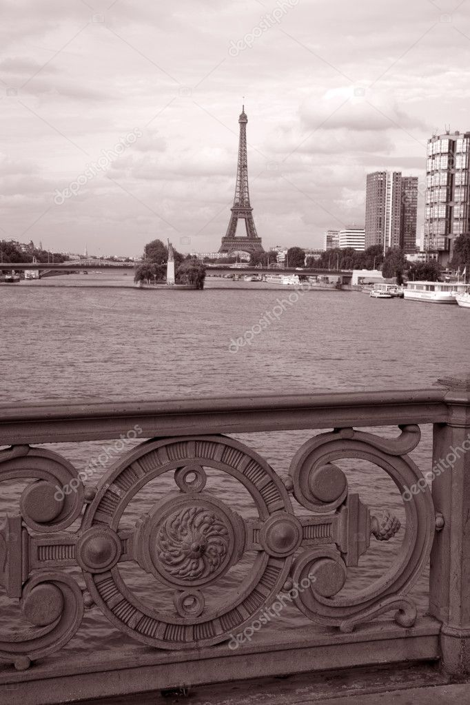 Eiffel Tower in Black and White Sepia Tone, Paris, France — Stock Photo #6924776