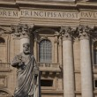 Statue of St Peter at St Peters Basilica Church, Vatican — Stock Photo