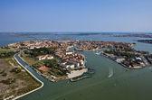 Italia, venecia, isla de murano y vista aérea de la laguna de venecia — Foto de Stock