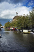 Holandia, amsterdam, mieszkalne prywatne — Zdjęcie stockowe
