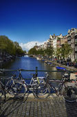 Holland, Amsterdam, view of one of the many canals downtown — Stock Photo