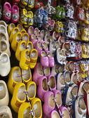 Holland, Volendam (Amsterdam), typical dutch wooden shoes — Stock Photo