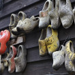 Holland, Volendam (Amsterdam), typical dutch wooden shoes — Stock Photo