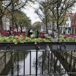 Holland, Edam village (Amsterdam), dutch houses and a water canal — Stock Photo