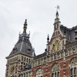 Holland, Amsterdam, view of the Central Railway Station facade — Stok fotoğraf