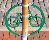 Bicicleta ponte en filadelfia histórica calle empedrada — Foto de Stock