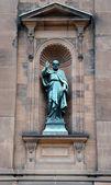Saint Paul Statue outside historic Saint Peter and Paul Basilica — Stock Photo