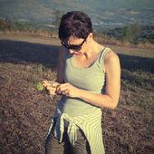 Beautiful woman in nature — Stock Photo