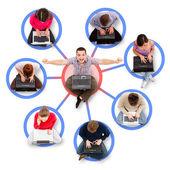 Soziales netzwerk-mitglieder um ein erfolgreicher mann — Stockfoto