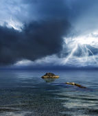Lightning storm over ocean — Stock Photo