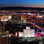 Las Vegas skyline panorama at night — Stock Photo