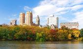 New York City Central Park in Autumn Manhattan panorama — Stock Photo
