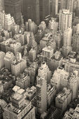 New york city manhattan skyline luchtfoto zwart-wit — Stockfoto