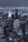 Veduta aerea con skyline di manhattan new york city al crepuscolo — Foto Stock