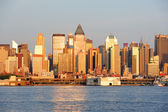 New York City Manhattan at sunset over Hudson River — Stock Photo