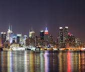 New York City Manhattan Midtown in der Nacht — Stockfoto