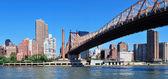 在城市的城市桥梁 — 图库照片