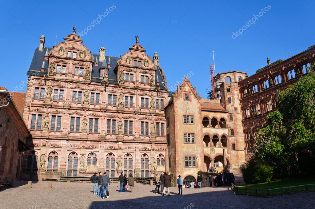 The Heidelberg Castle is a famous ruin in Germany and landmark of Heidelberg. The castle ruins are among the  important Renaissance structures. — Stock Photo #7465835