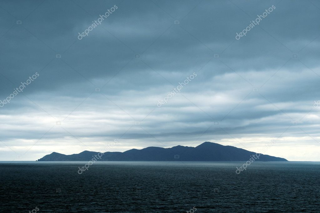 Island at sea — Stock Photo #7182731