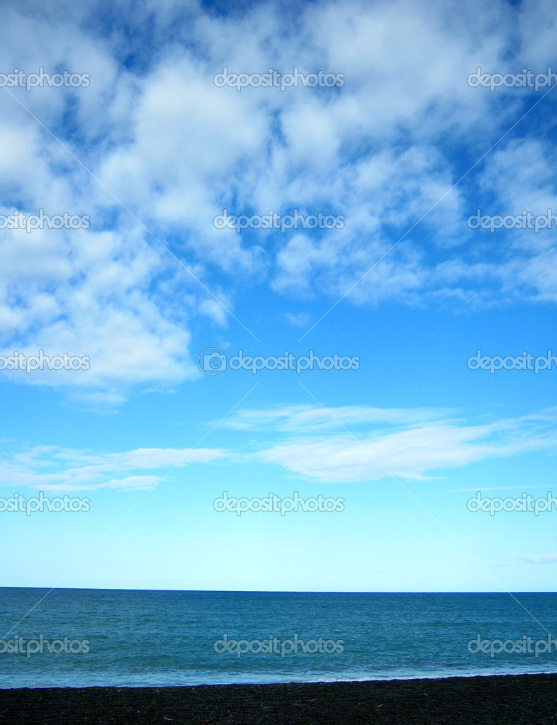 Blue sky and ocean — Stock Photo #7182762