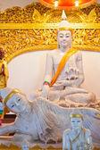 статуя будды бирманском стиле в таиланде — Стоковое фото