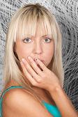 Sinnliche junge mode modell mit ziemlich blonde haare — Stockfoto