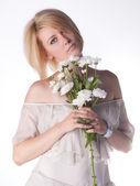 Aantrekkelijke blonde vrouw — Stockfoto