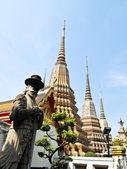 Stone Giant statue at Wat Pho, Bangkok — Stock Photo