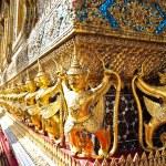 Golden Garuda in Wat Phra Kaew , Bangkok — Stock Photo #7488070