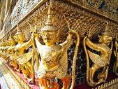 Garuda, King of the birds. Emerald Buddha Temple — Stock Photo