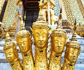 Statue at Wat Phra Kaew, Bangkok, Thailand — Stock Photo
