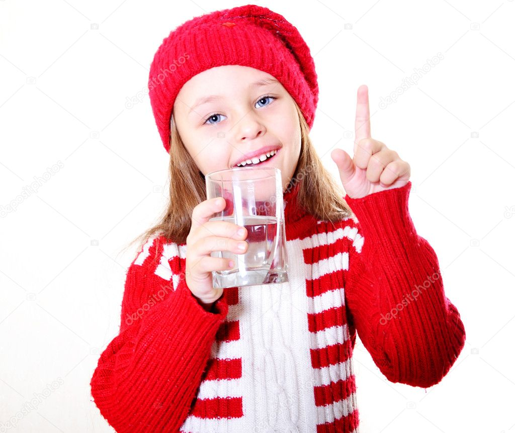 little girl with Clean water — Stock Photo #7809355
