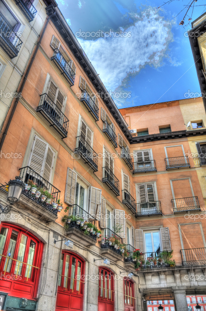 Spanish urban architecture, Madrid , Spain  — Stock Photo #7729016