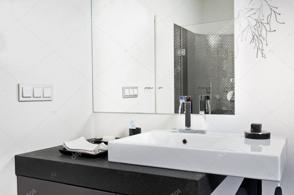 Nowoczesna łazienka umywalka - Obraz stockowy | 1023 x 681 · 129 kB · jpeg | 1023 x 681 · 129 kB · jpeg