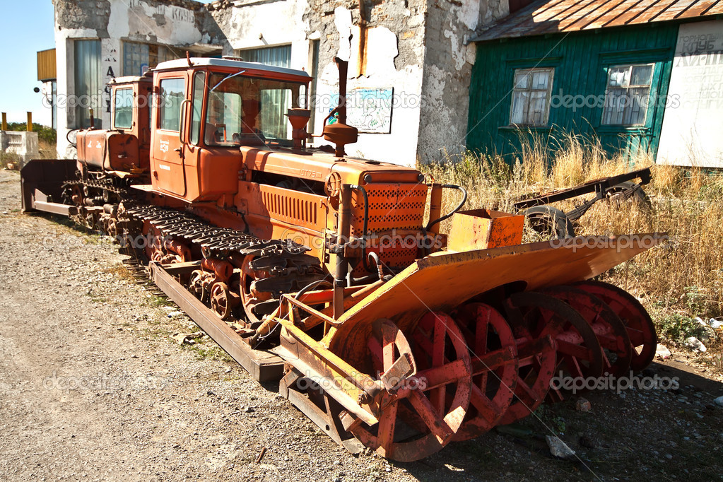Rusty snow machine — Stock Photo #7251618