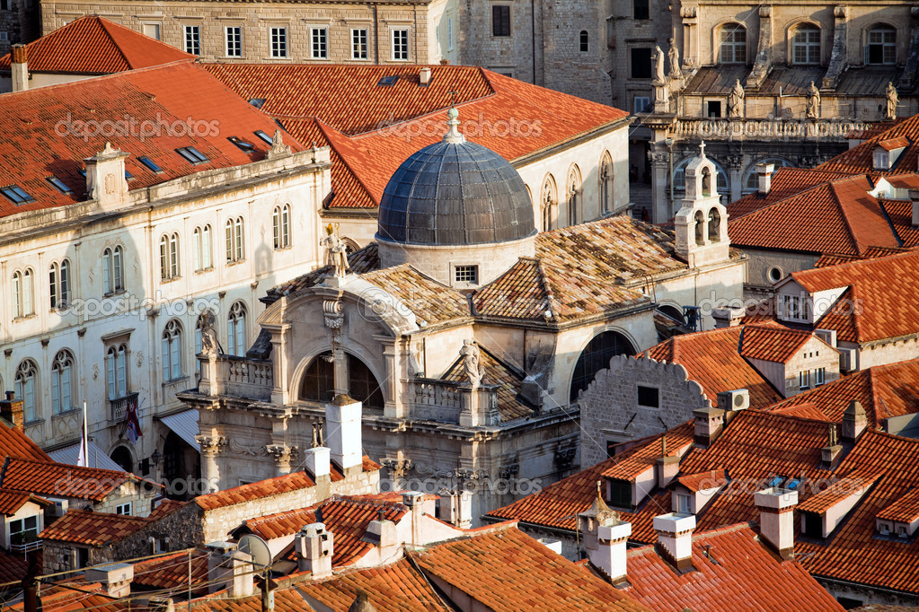 View on old center of Dubrovnik city and Church, Croatia — Stock Photo #6842040